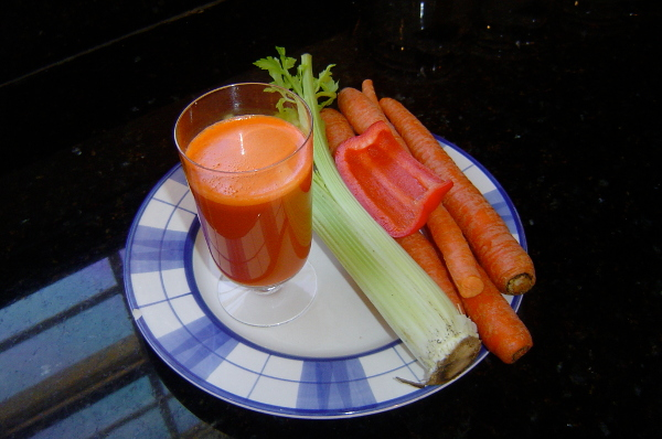 Best Masticating Juicer For Celery : Carrot, Celery & Red Bell Pepper Juice Recipe - Which Juicer Machine!?