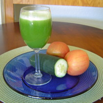 Homemade Apple and Cucumber Juice Recipe